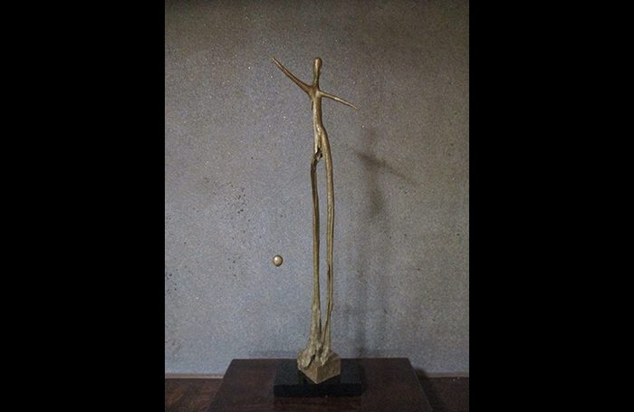 002-02  Ball play, H 90 cm, Wood carving, gold painting, 2018, 200,000yen